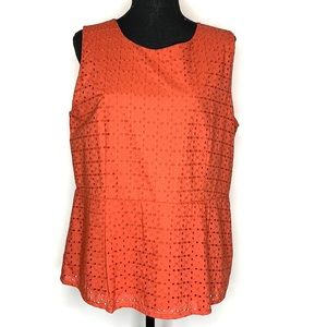 Women's eyelet ruffle tank top burnt red large